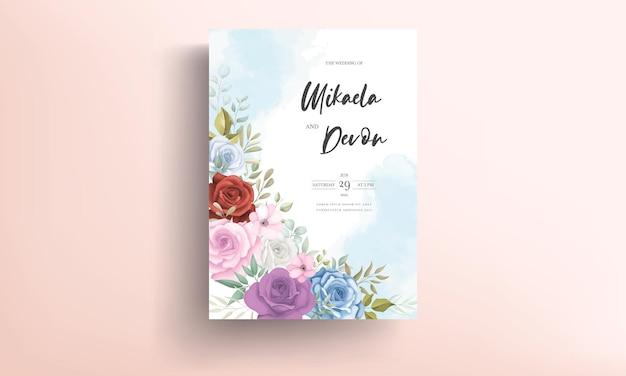 Tarjeta de invitación de boda elegante con adornos de flores de colores