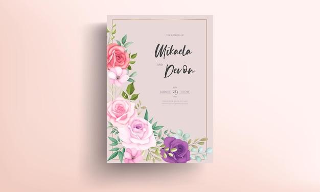 Tarjeta de invitación de boda elegante con adornos de rosas