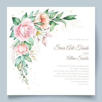 Tarjeta de invitación de boda floral y hojas dibujadas a mano