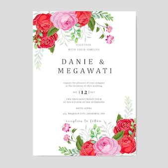 Tarjeta de invitación de boda con fondo hermosas flores hojas