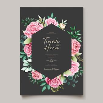Tarjeta de invitación de boda hermosa con corona floral acuarela