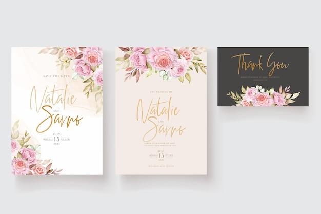 Tarjeta de invitación floral y hojas de acuarela suave