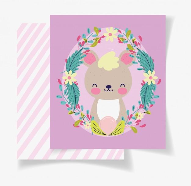Tarjeta linda de la fiesta de bienvenida al bebé de las flores de la guirnalda del oso