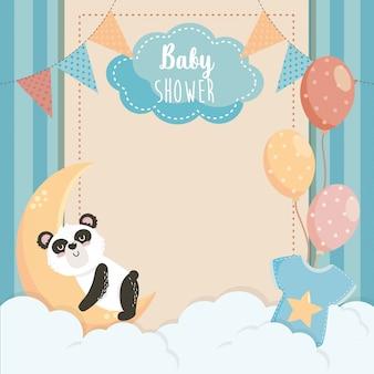 Tarjeta de lindo panda con etiqueta y globos.