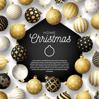 Tarjeta de navidad feliz hogar de oro de lujo con divertidas bolas de navidad minimalistas. quedarse en casa insignia en cuarentena. reacción.