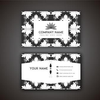 Tarjeta de presentación con diseño decorativo