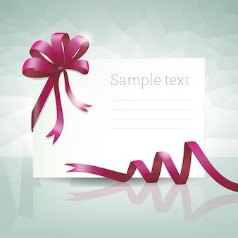 Tarjeta de regalo en blanco con lazo morado y texto de muestra