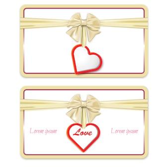 Tarjeta regalo con un lazo y un corazón.