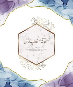 Tarjeta de tinta de alcohol azul y púrpura con marco de mármol geométrico y hojas.