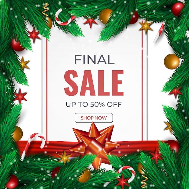Tarjeta de venta final de navidad. fondo con ramas de abeto, bolas rojas y plantilla de arco