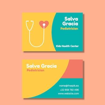 Tarjeta de visita creativa colorida del pediatra salva