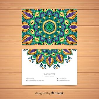 Tarjeta de visita creativa con diseño de mandala