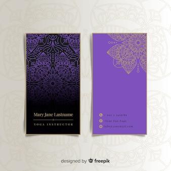 Tarjeta de visita elegante con diseño de mandala