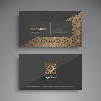 Tarjeta de visita elementos decorativos vintage. tarjetas de visita florales ornamentales o invitación con mandala