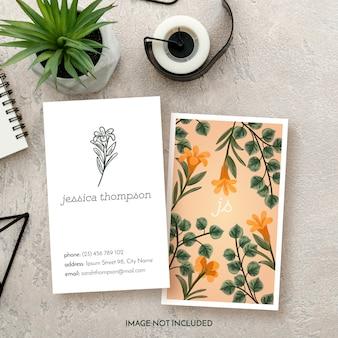 Tarjeta de visita floral del negocio floral