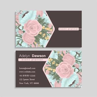 Tarjeta de visita con flores de color rosa y menta.