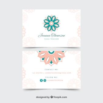 Tarjeta de visita con mandalas en colores pastel