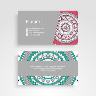 Tarjeta de visita. vintage elementos decorativos. tarjetas de visita florales ornamentales o invitación con mandala