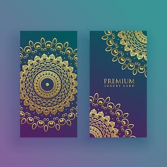 Tarjetas de mandala de lujo en tema dorado