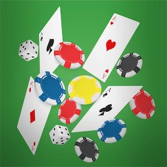 Tarjetas de póker y fichas que caen.
