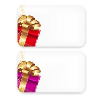 Tarjetas de regalo, aislado sobre fondo blanco,