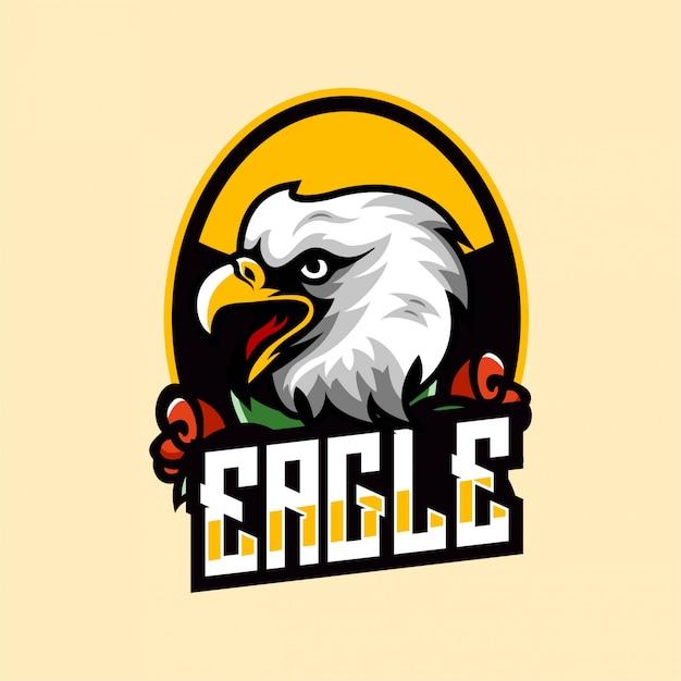 Tatuaje animales águila halcón y rosa vintage artístico