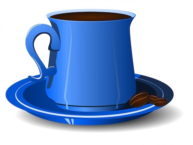 Taza azul con granos de café en un plato