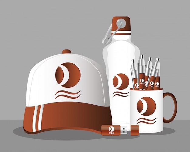 Taza con bolígrafos y marca de gorra deportiva