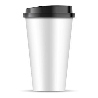 Taza de café de papel blanco con tapa negra aislada