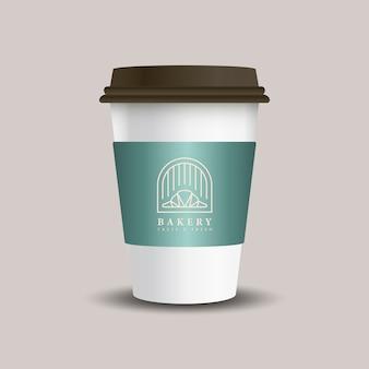 Taza de papel bebida caliente con vector de manga maqueta