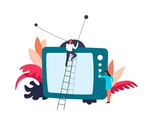 Televisión persona de televisión en la antena de fijación de escalera