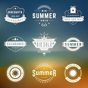 Temporada de verano venta insignias diseño vector retro conjunto