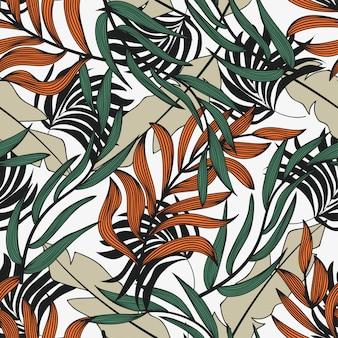 Tendencia abstracta de patrones sin fisuras con coloridas hojas y plantas tropicales sobre un fondo claro