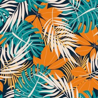 Tendencia original de patrones sin fisuras con brillantes hojas y plantas tropicales