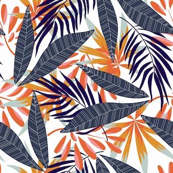Tendencias de patrones sin fisuras abstractas con coloridas hojas y plantas tropicales sobre fondo blanco.