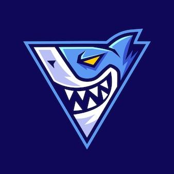 Tiburón en diseño de logotipo en forma de triángulo