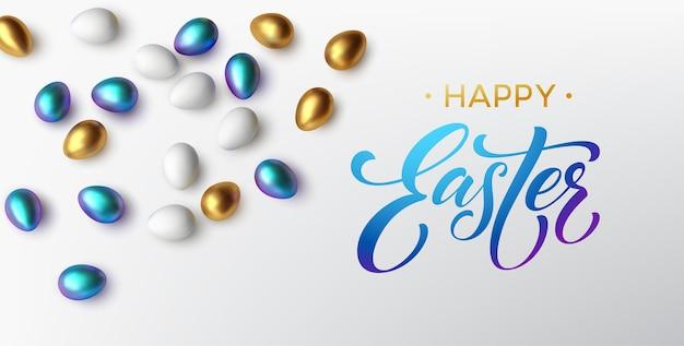Tipografía brillante metálico dorado de moda moderna feliz pascua sobre un fondo de huevos de pascua. letras realistas en 3d para el diseño de volantes, folletos, carteles y tarjetas ilustración vectorial eps10