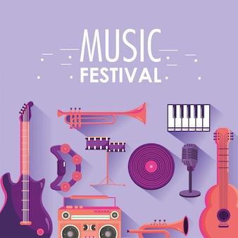 Tocar instrumentos para evento de festival de música.