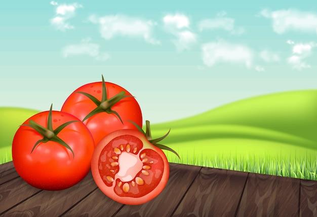 Tomates en mesa de madera