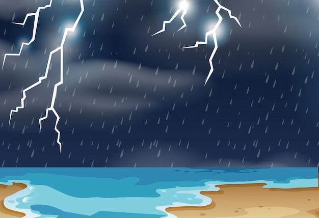 Tormenta eléctrica en el paisaje de la playa