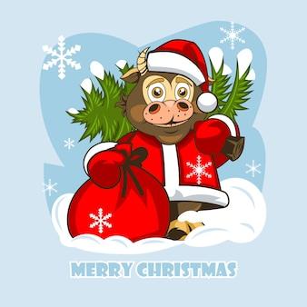 Toro bebé alegre en ropa de santa claus y con un árbol de navidad sobre sus hombros.