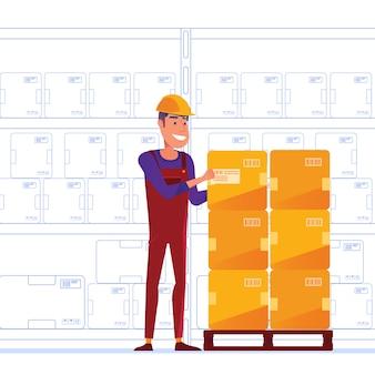 El trabajador del almacén está almacenando cajas en el palet