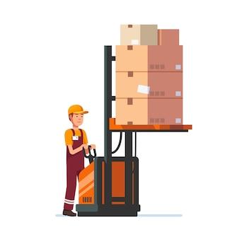 Trabajador de almacén que trabaja el levantador eléctrico de la horquilla