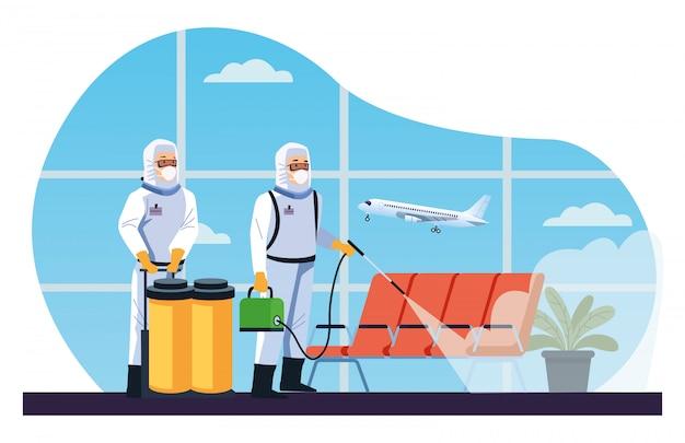Los trabajadores de bioseguridad desinfectan el aeropuerto para