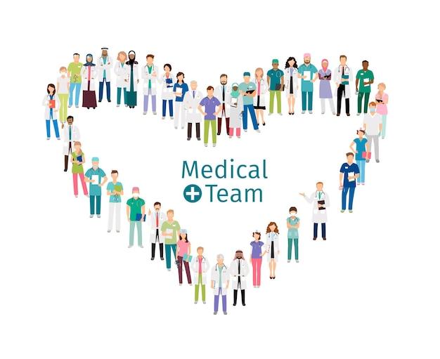 Trabajadores del equipo médico. el personal médico se encuentra en forma de corazón aislado sobre fondo blanco.