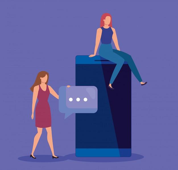 Trabajo en equipo de mujeres con tecnología de teléfonos inteligentes y burbuja de chat