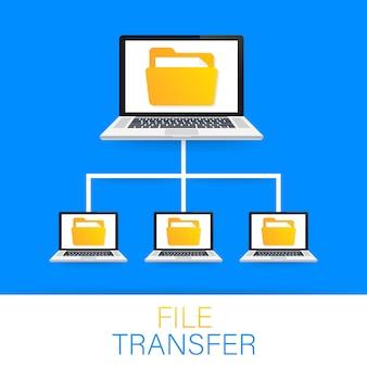 Transferencia de archivos. portátiles con carpetas en pantalla y documentos transferidos.