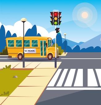 Transporte en autobús escolar en carretera con semáforo