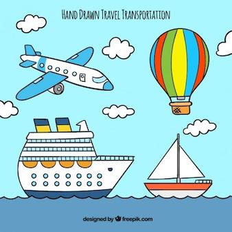 Transportes de viaje dibujados a mano en un estilo infantil