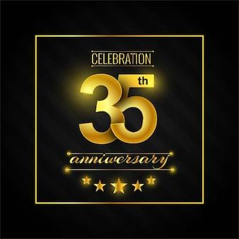 Treinta y cinco aniversario con números dorados